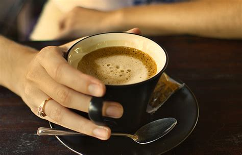 Caffeine in moderation is actually a good thing and studies have shown that caffeine intake can help sugar chances are, unless you are drinking plain black coffee, your cup will contain sugar and that too can be affecting your skin. Recognize the Advantages Drink Coffee|Beautiful Healthy ...