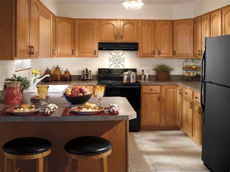 aristokraft oak kitchen cabinets aristokraft cabinetry traditional kitchen