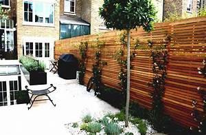 brise vue terrasse 25 idees sympas pour plus dintimite With tapis champ de fleurs avec canapé résine tressée pas cher