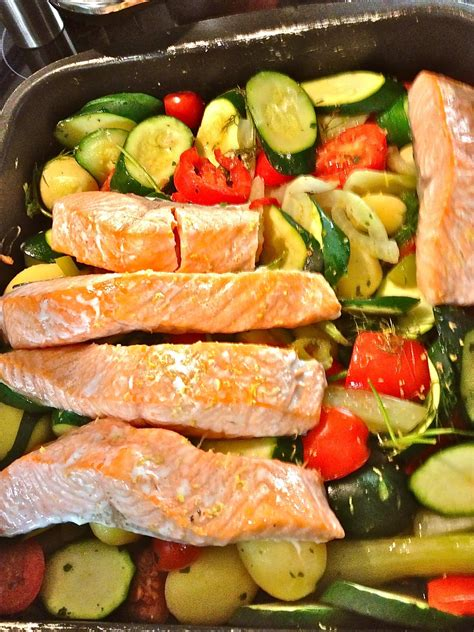 johnnys kitchen tray baked salmon  mediterranean