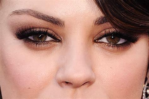 Как зрительно увеличить глаза с помощью макияжа . Журнал Harper's Bazaar