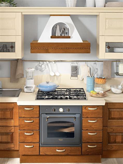 cuisine en noyer cuisine en noyer by cucine lube