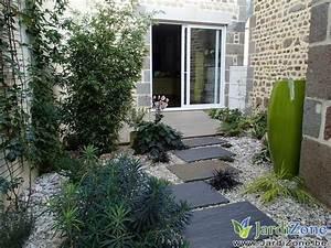 cour pelouse ou gravier jardizone With amenagement petit jardin avec piscine 11 terrasse carrelee ma terrasse