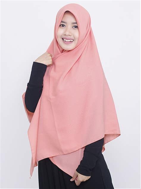 memakai jilbab segi empat  syari tutorial hijab