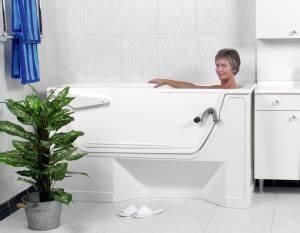 Sitzbadewanne Mit Dusche : bad wanne raus dusche rein an einem tag ohne fliesenschaden ~ Frokenaadalensverden.com Haus und Dekorationen