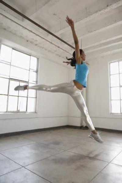 dance aerobic  anaerobic woman