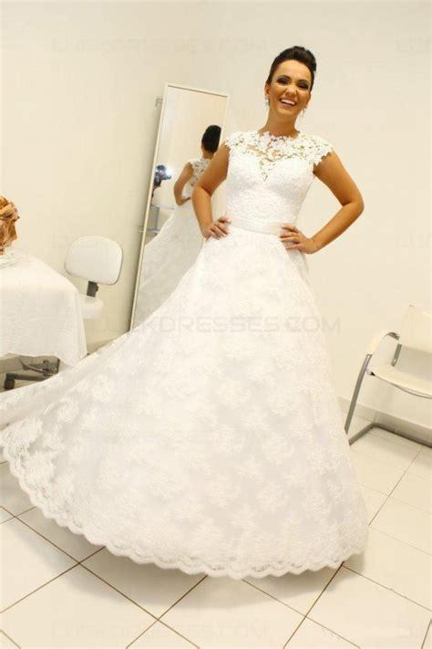 jewel neckline lace sleeveless wedding dresses