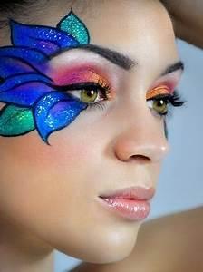 Modele Maquillage Carnaval Facile : faire un maquillage de fleurs halloween maquillage maquillage f e maquillage enfant et ~ Melissatoandfro.com Idées de Décoration