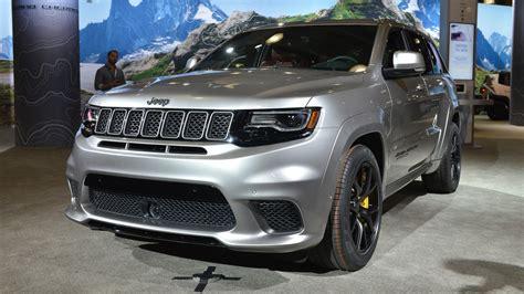 jeep grand cherokee trackhawk   hp  purring