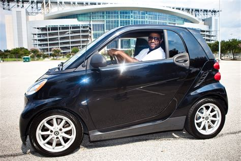 Smart Car by Can Nfl Tackle Duane Brown Fit In A Smart Car The