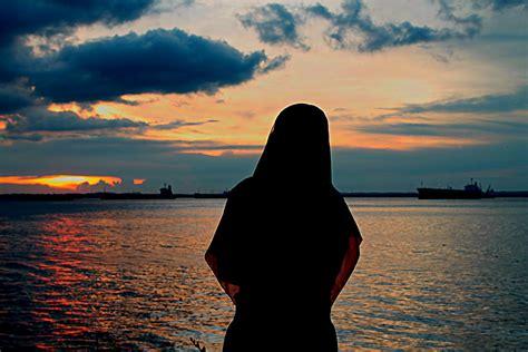 plunge  wear  hijab ilmfeed