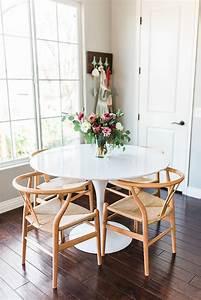 Runder Tisch Ikea : die besten 25 ikea runder tisch ideen auf pinterest kleiner runder k chentisch wei e wohnung ~ Frokenaadalensverden.com Haus und Dekorationen