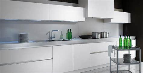 eclairage tiroir cuisine eclairage meuble de cuisine eclairage plan de travail par