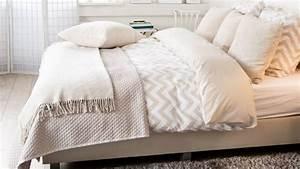 Parure De Lit Boheme : couvre lit blanc de qualit petit prix westwing ~ Teatrodelosmanantiales.com Idées de Décoration