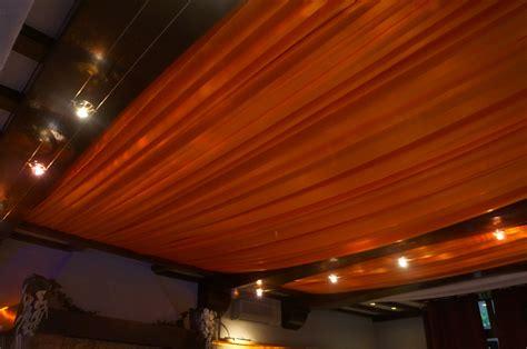 mariage orange et blanc decoratrice mariage festidomi