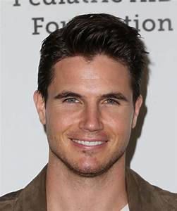 Images: Robbie Amell