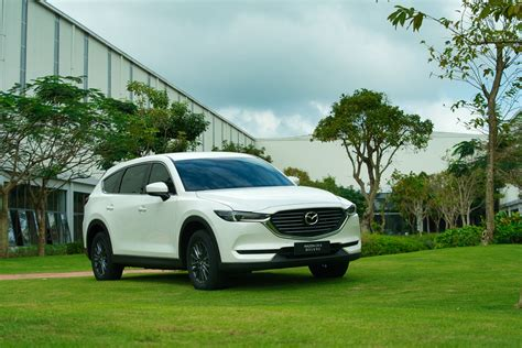 It has a ground clearance of 205 mm and dimensions is 4900 mm l x 1840 mm w x 1730 mm h. Có gì trên SUV 7 chỗ tầm giá 1 tỷ Mazda CX-8 Deluxe?