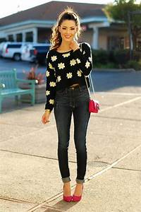 Trendy Ways To Wear Cropped Sweaters 2018 | FashionGum.com