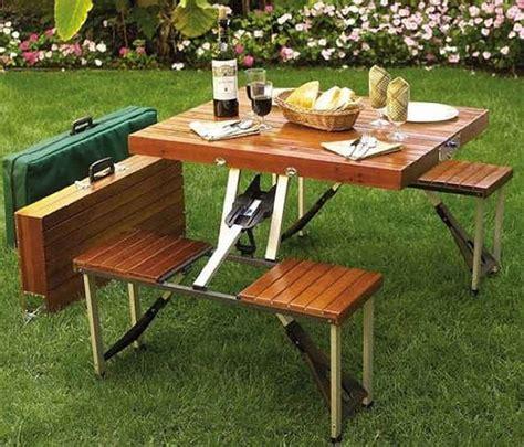 table pliante avec chaises intégrées nos 4 conseils pour bien acheter votre table de cing