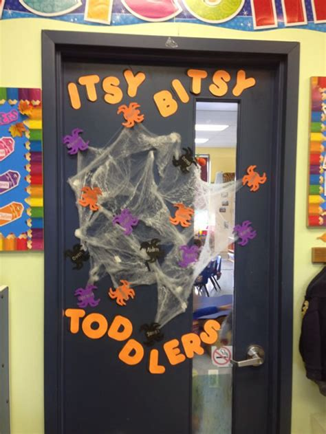 ideas  decorar la puerta de clase en halloween