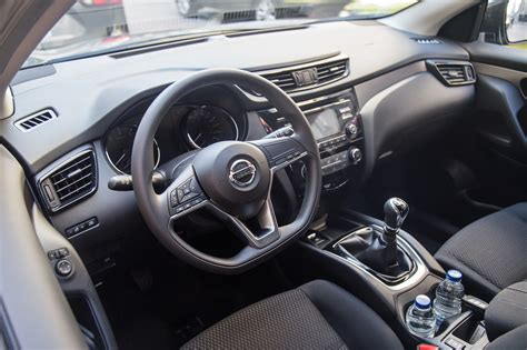nissan qashqai interior 2017 first drive 2017 nissan qashqai canadian auto review