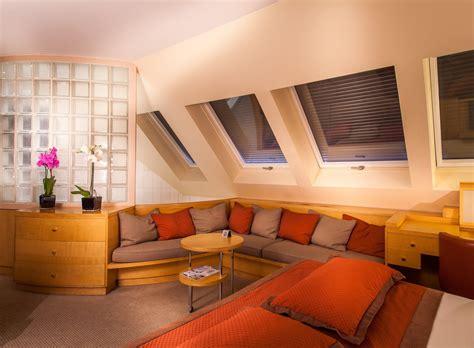 deco chambre mansardee idee deco chambre mansardee solutions pour la décoration