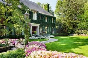 les jardins aux plates bandes fleuries With exemple de jardin de maison 6 tendance deco au jardin