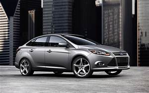 2013 Ford Focus Sedan Photo Gallery