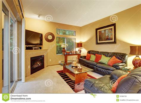 Cozy Meduim Sized Living Room With Carpet And Sliding Door