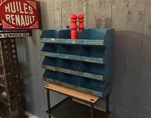 Casier Metal Empilable : ancien casiers en m tal empilables ~ Teatrodelosmanantiales.com Idées de Décoration