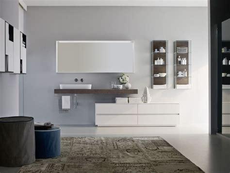Badezimmer Unterschrank Lutz by Wei 223 E Badm 246 Bel Unterschrank Und Waschtisch Aus Holz Wohnen