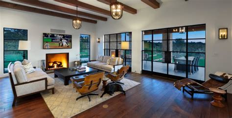 Portella steel doors & windows manufactures custom doors and windows made of recycled, durable metal that create unforgettable first impressions. Portella Custom Steel Doors and Windows
