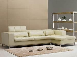 Teppich Unter Sofa : 20 beispiele f r ein beige sofa zu hause ~ Markanthonyermac.com Haus und Dekorationen