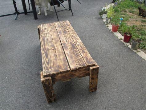 Petite table basse toujours en palette de bois un montage simple mais efficace lol - relookmeuble