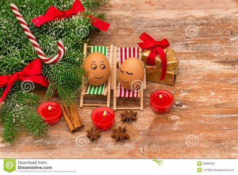 weihnachten geschenk lustige eier weihnachten mandarine geschenk und kerzen