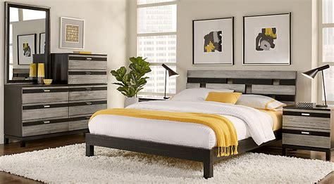 rooms to go platform bed gardenia silver 5 pc queen platform bedroom queen 19664 | br rm gardenia silver3~Gardenia Silver 5 Pc Queen Platform Bedroom