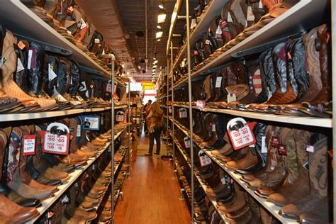Boot Barn Tn by Inside The Barn Boot Store In Downtown Nashville Picture