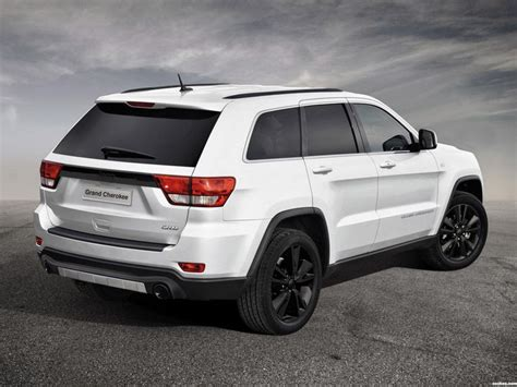 white jeep grand cherokee wheels love the white jeep grand cherokee and black rims i