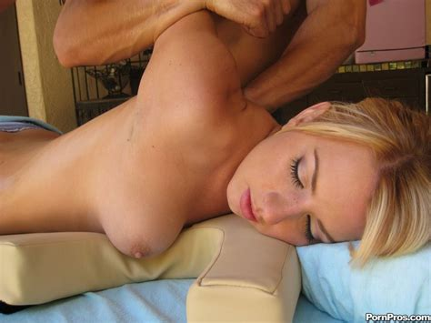 lexi belle seduced with a massage pichunter