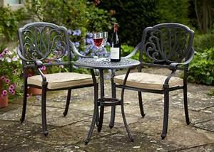 Petite Table De Jardin : le salon de jardin en aluminium est une solution ~ Dailycaller-alerts.com Idées de Décoration