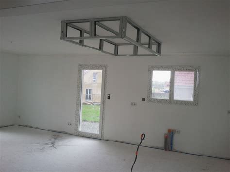 plafond en placo sur rail bricolage de l id 233 e 224 la r 233 alisation un caisson d 233 caissement au plafond faux plafond en
