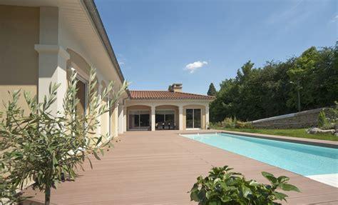 piscine sur maison classique collonges au mont d or piscines concept