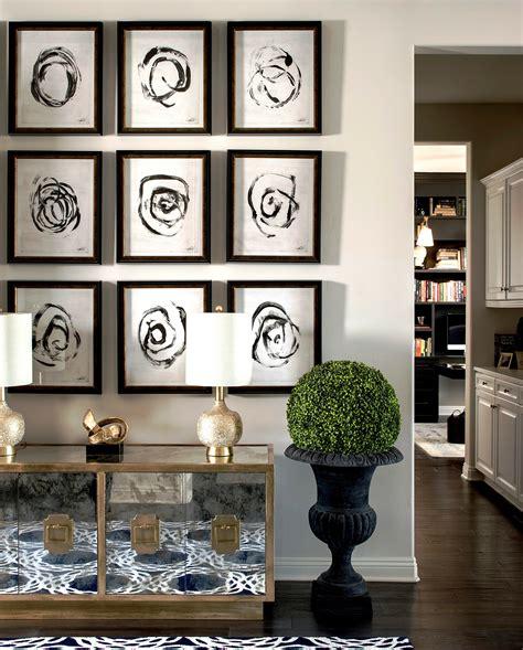 create  perfect gallery wall layout decorilla