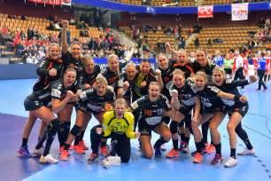 'oranje heeft grote kans op tsjechië in achtste finales'. Nederland na klinkende zege op Polen naar EK-hoofdronde ...