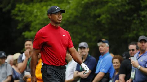 Why Does Tiger Woods Wear Red on Sunday for Final Rounds ...