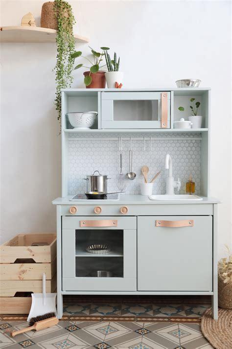 customisation cuisine ikea hack comment relooker la cuisine pour enfant duktig