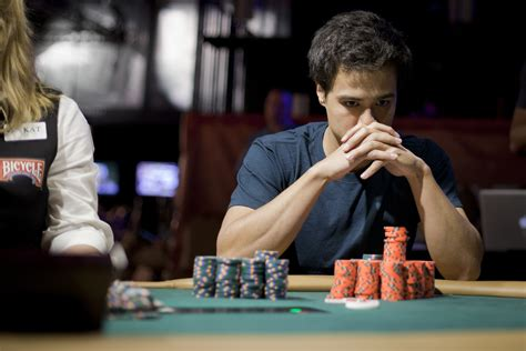 How to Bet in Poker Tournaments: A Guide to Sizing Your ...