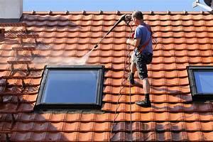 Prix d'un démoussage de toiture Constructeur travaux