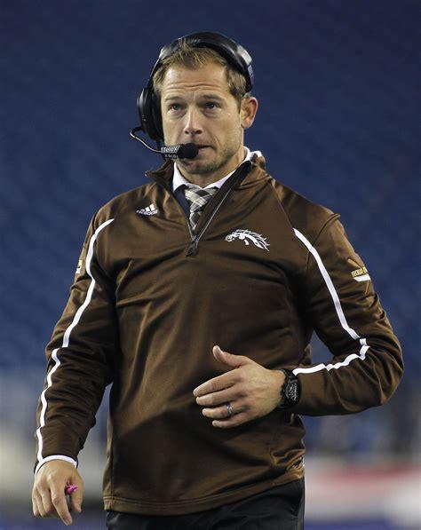 western michigan coach pj fleck accepts challenging