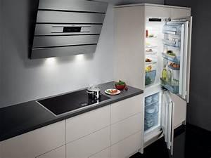 Hotte Aspirante Inclinée : hotte aspirante inclin e aeg ~ Premium-room.com Idées de Décoration